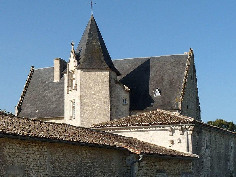 Photo du Monument Historique Château situé à Meux