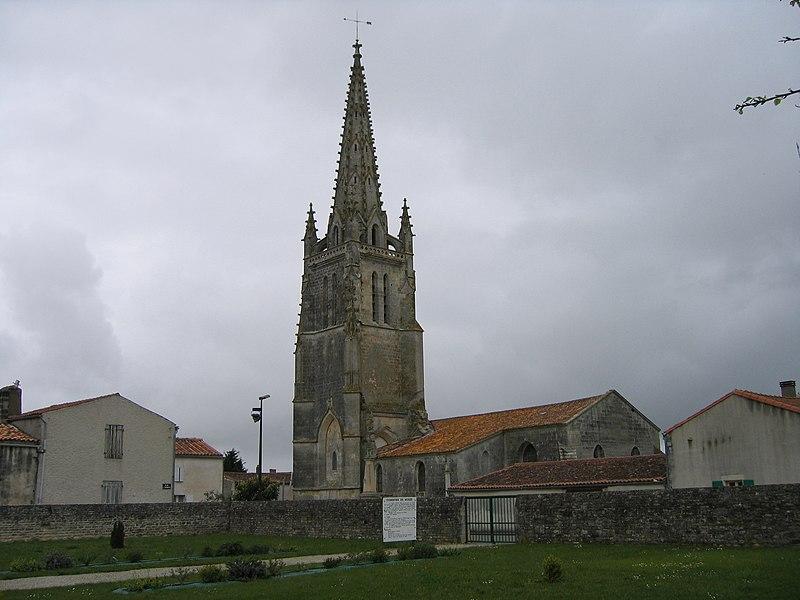 Photo du Monument Historique Eglise Saint-Pierre situé à Moëze