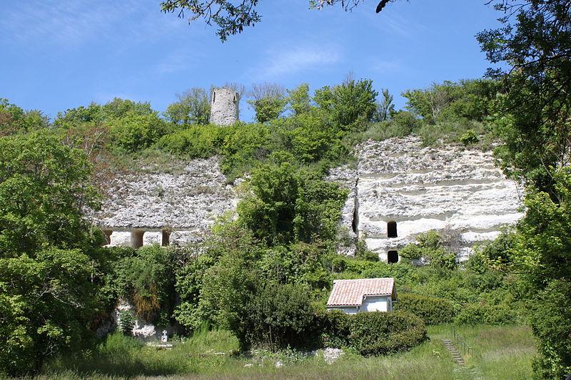Photo du Monument Historique Ermitage monolithe Saint-Martial situé à Mortagne-sur-Gironde