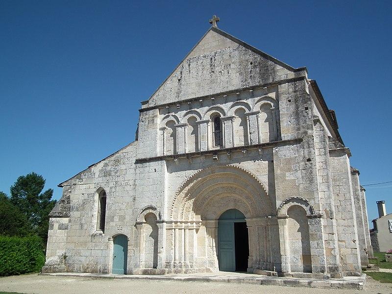 Photo du Monument Historique Eglise Saint-Saturnin situé à Mosnac