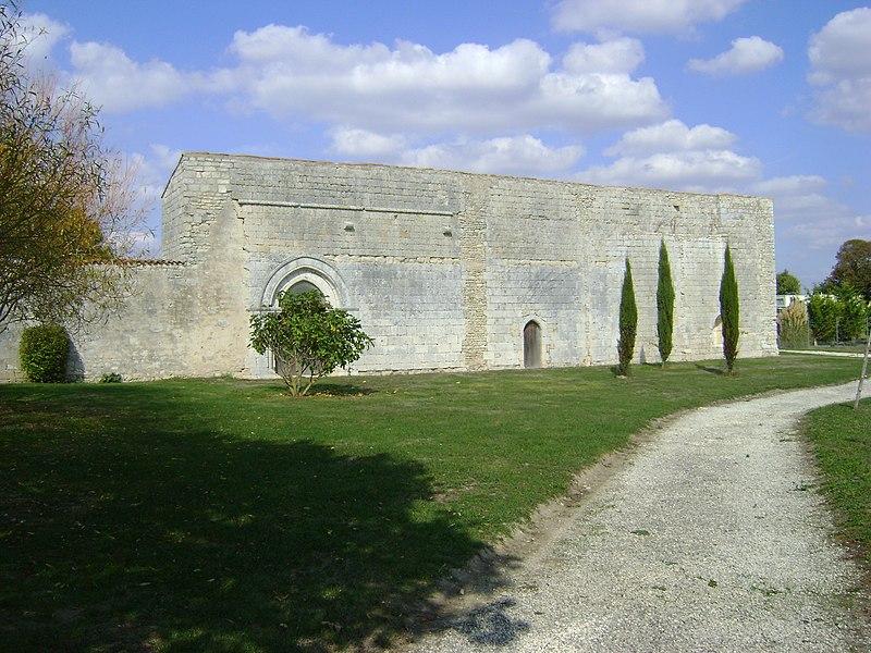 Photo du Monument Historique Ruines de l'ancien prieuré de Sermaize situé à Nieul-sur-Mer