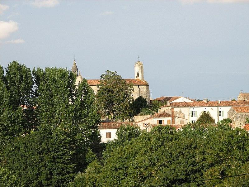Photo du Monument Historique Eglise Saint-Pierre situé à Les Nouillers