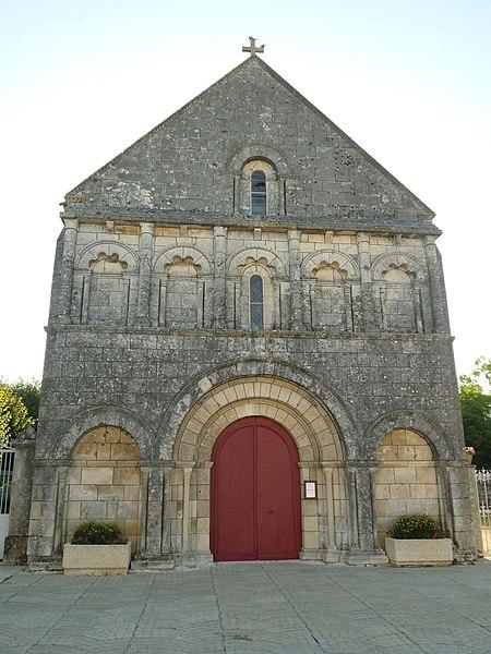 Photo du Monument Historique Eglise Saint-Laurent situé à Plassac