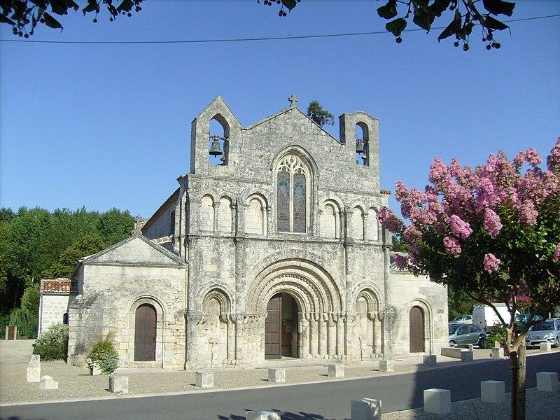 Photo du Monument Historique Eglise Saint-Vivien situé à Pons