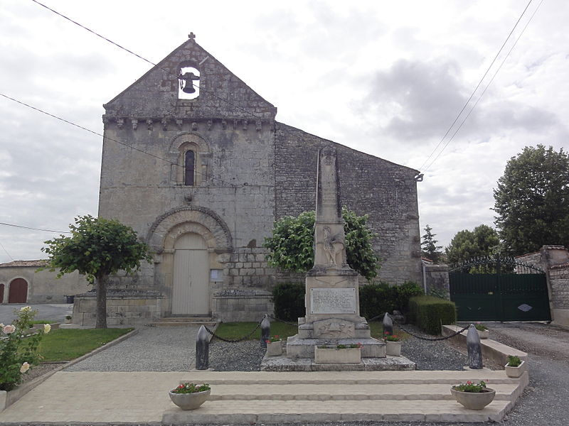 Photo du Monument Historique Eglise situé à Poursay-Garnaud