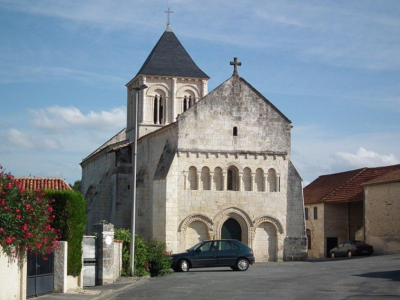 Photo du Monument Historique Eglise Saint-Vincent situé à Réaux