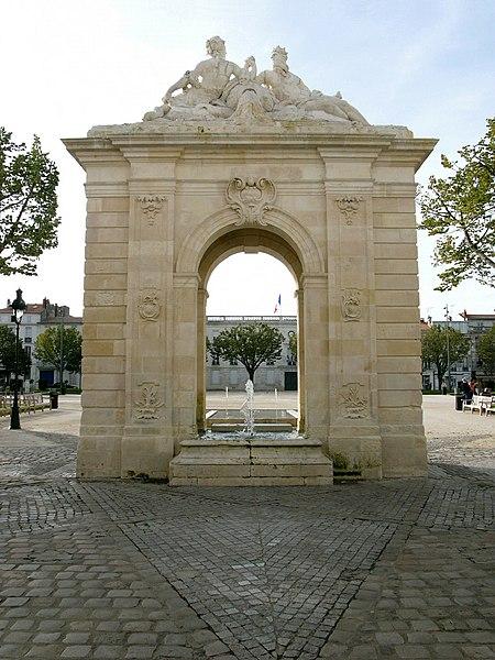 Photo du Monument Historique Fontaine situé à Rochefort