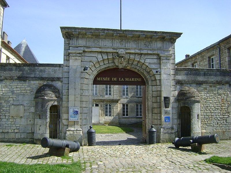 Photo du Monument Historique Ancien Hôtel de Cheusse, dit Hôtel de l'Intendance maritime situé à Rochefort
