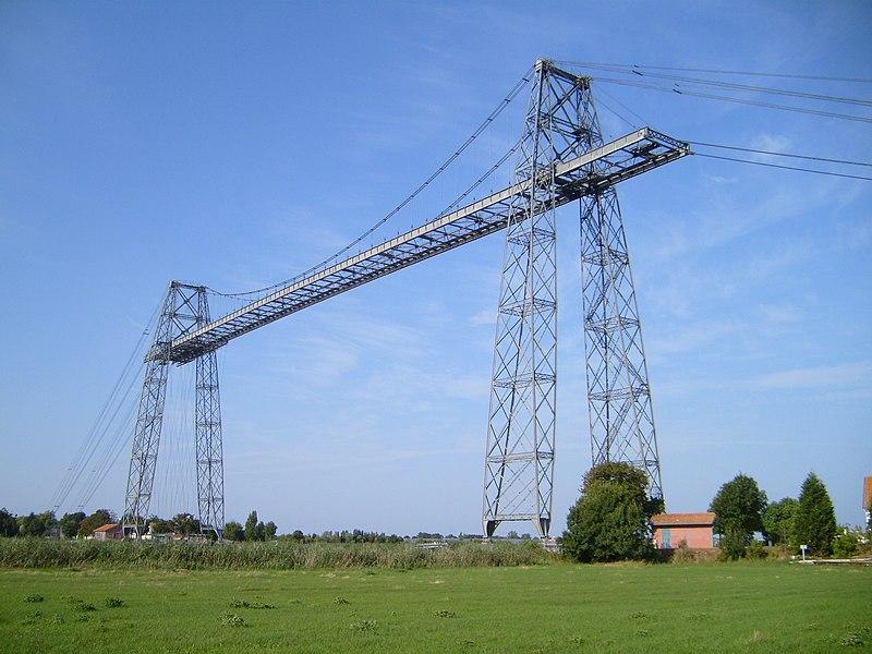 Photo du Monument Historique Pont transbordeur du Martrou situé à Rochefort ; Echillais