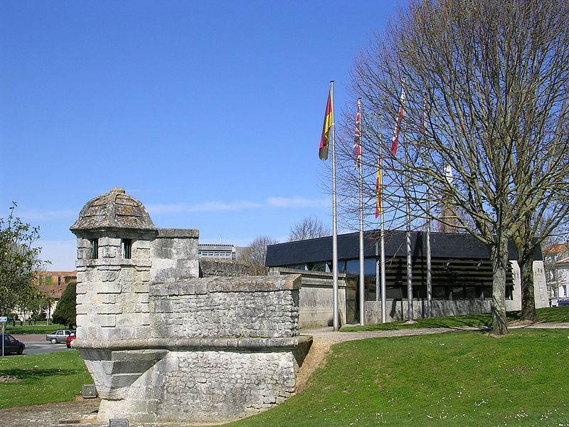 Photo du Monument Historique Remparts situé à Rochefort
