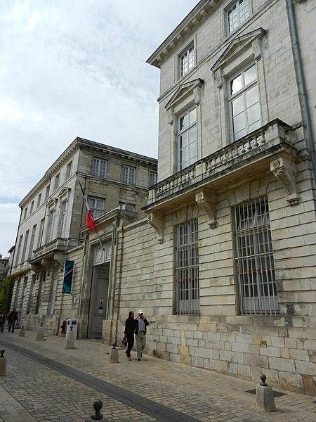 Photo du Monument Historique Hôtel de la Bibliothèque et du Musée situé à Rochelle (La)