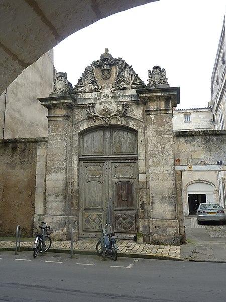 Photo du Monument Historique Hôtel de l'Intendance situé à La Rochelle