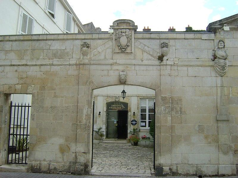 Photo du Monument Historique Immeubles situé à Rochelle (La)