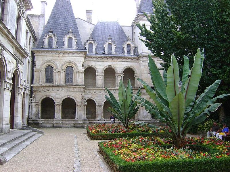 Photo du Monument Historique Maison de Diane situé à Rochelle (La)