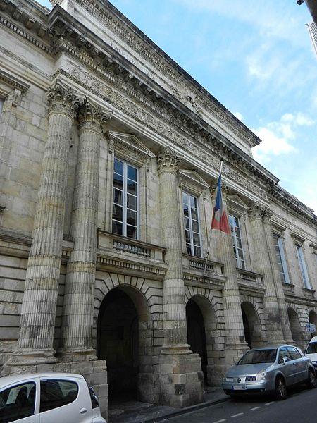 Photo du Monument Historique Palais de justice situé à La Rochelle