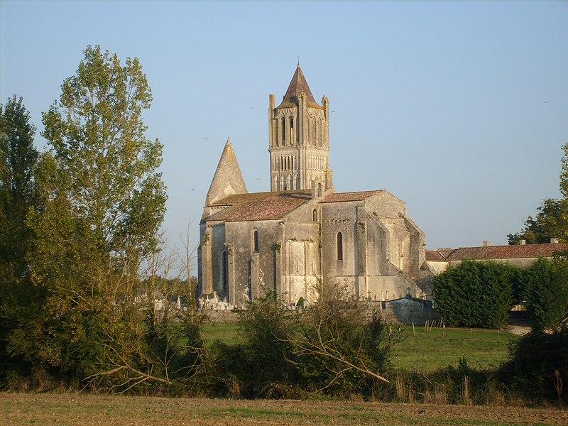 Photo du Monument Historique Ancienne abbaye Notre-Dame situé à Sablonceaux