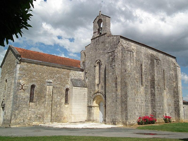 Photo du Monument Historique Eglise Saint-André situé à Saint-André-de-Lidon