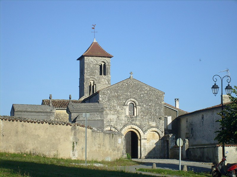 Photo du Monument Historique Eglise Saint-Brice situé à Saint-Bris-des-Bois