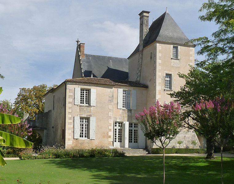 Photo du Monument Historique Château de Beaulon situé à Saint-Dizant-du-Gua
