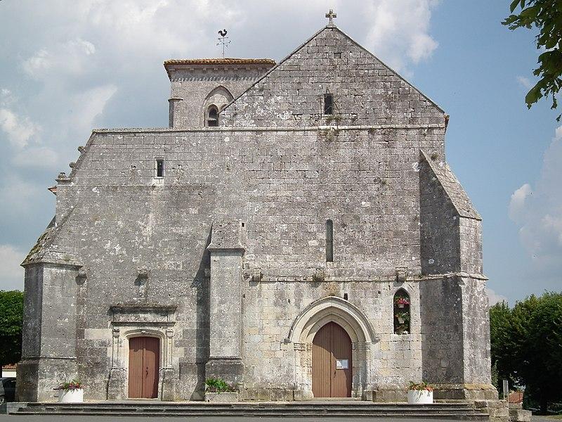 Photo du Monument Historique Eglise Sainte-Lheurine situé à Sainte-Lheurine