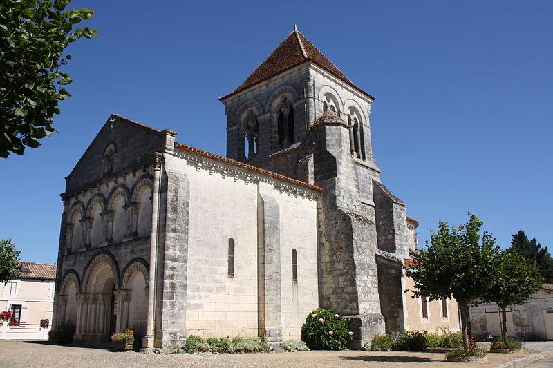 Photo du Monument Historique Eglise Saint-Martin situé à Saint-Martin-de-Coux