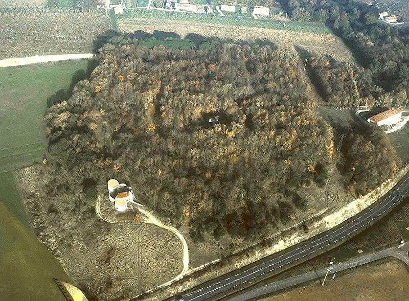 Photo du Monument Historique Camp dit de César situé à Saint-Romain-de-Benet