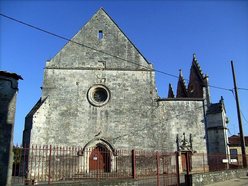 Photo du Monument Historique Ancienne église abbatiale situé à Saint-Savinien