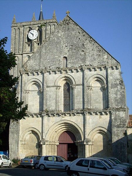 Photo du Monument Historique Eglise Saint-Savinien situé à Saint-Savinien