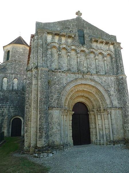 Photo du Monument Historique Eglise Saint-Laurent situé à Saint-Simon-de-Pellouaille
