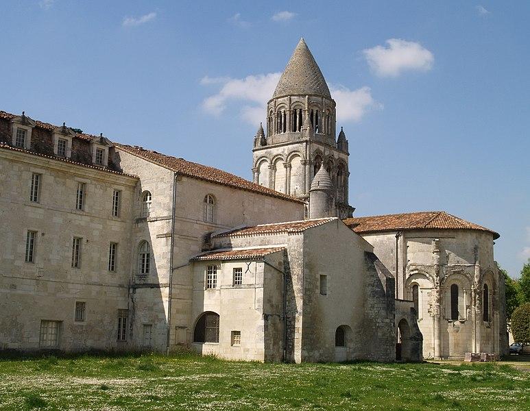 Photo du Monument Historique Ancienne abbaye des Dames situé à Saintes