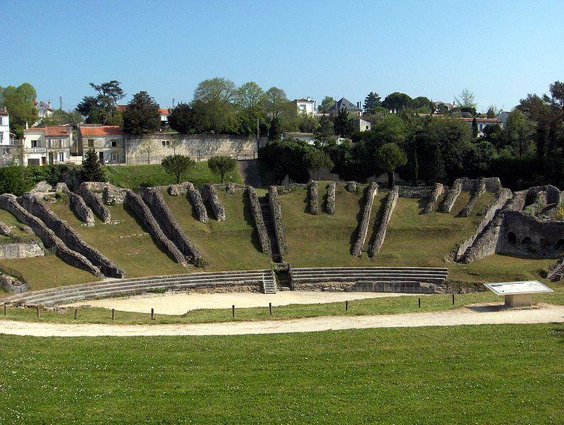 Photo du Monument Historique Restes de l'amphithéâtre gallo-romain situé à Saintes