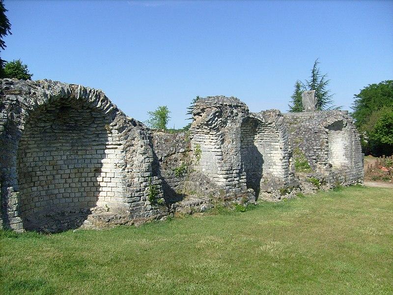 Photo du Monument Historique Thermes de Saint-Saloine situé à Saintes