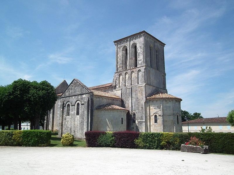 Photo du Monument Historique Eglise Saint-Saturnin situé à Tanzac