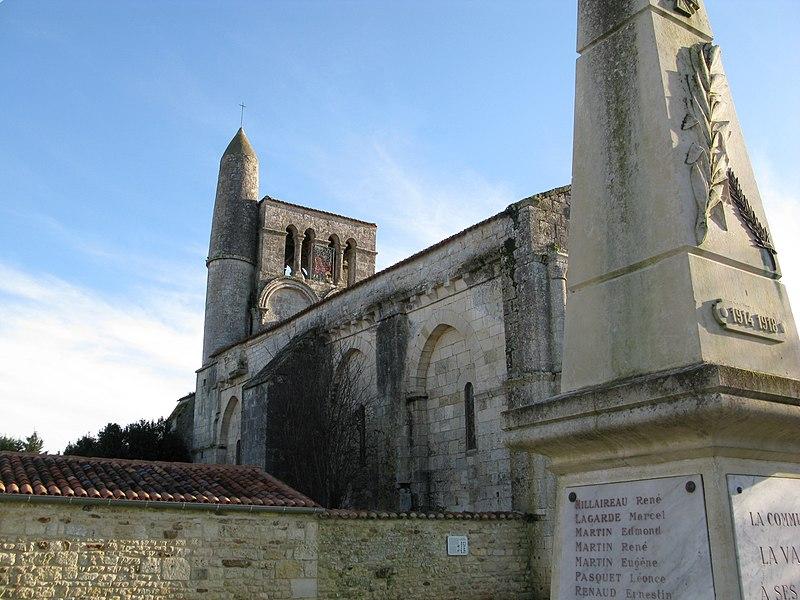 Photo du Monument Historique Eglise Saint-Vivien£ situé à Vallée (La)
