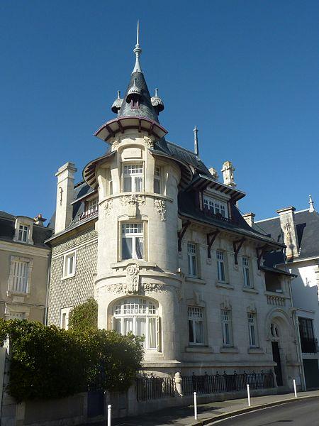 Photo du Monument Historique Villa Alsace situé à La Rochelle