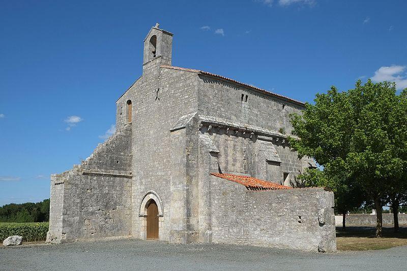 Photo du Monument Historique Eglise Saint-Jacques-du-Cher situé à Chambon
