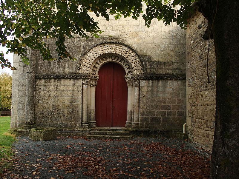 Photo du Monument Historique Eglise Saint-Pierre-ès-Liens situé à Saint-Pierre-de-l'Ile