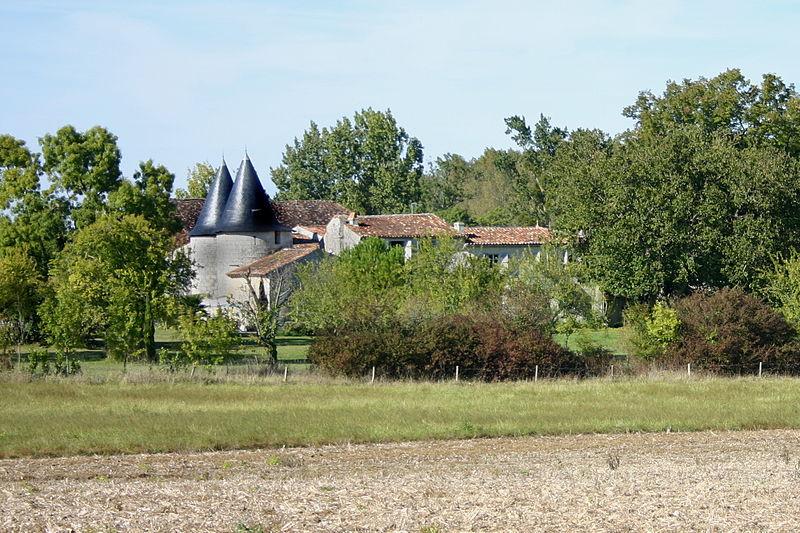 Photo du Monument Historique Château de Thérac situé à Gonds (Les)