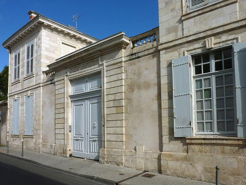 Photo du Monument Historique Hôtel de Marsan ou Carré de Candé situé à La Rochelle