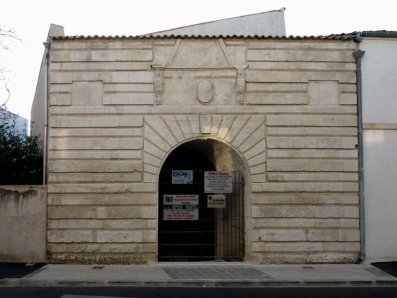 Photo du Monument Historique Porte Maubec situé à Rochelle (La)