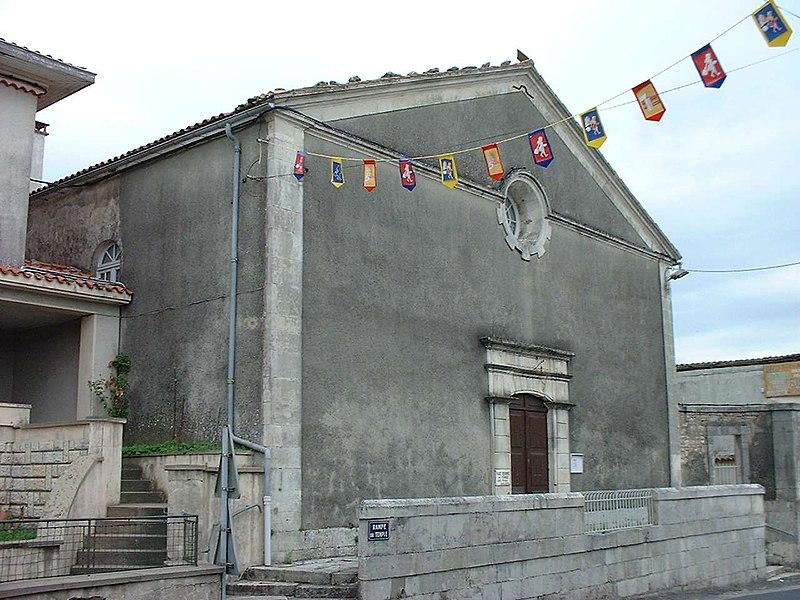 Photo du Monument Historique Temple protestant de Cozes situé à Cozes