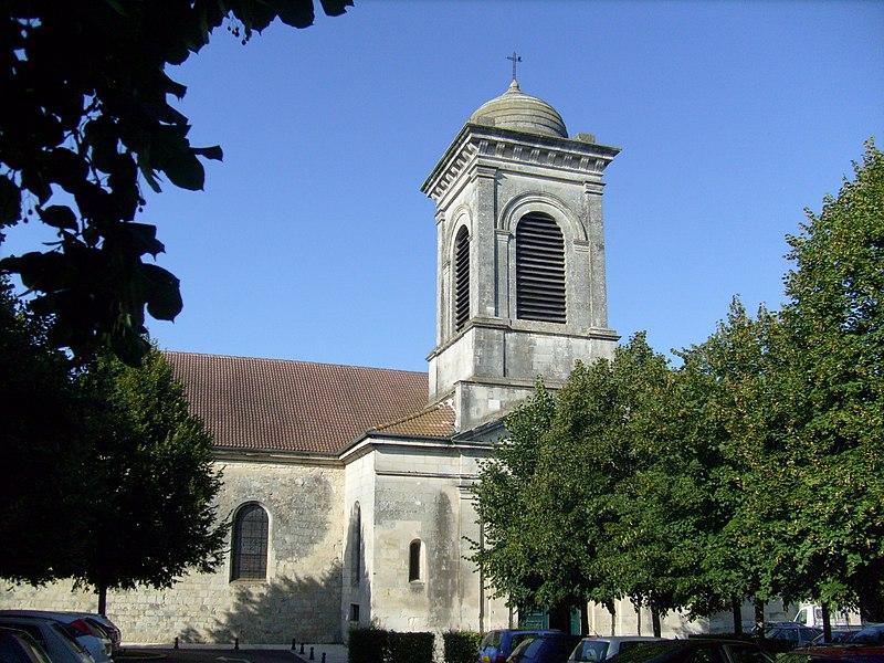 Photo du Monument Historique Ancien temple protestant, aujourd'hui église catholique Saint-Martin situé à Pons