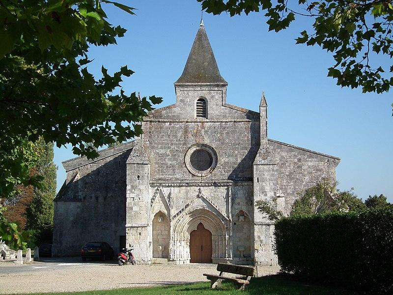 Photo du Monument Historique Eglise Saint-Michel situé à Ozillac