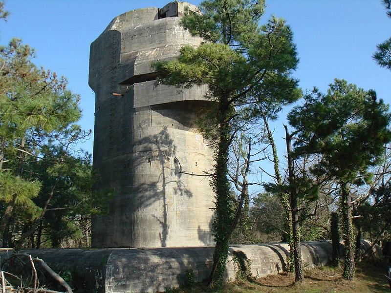 Le site de Karola, patrimoine historique de la deuxième guerre mondiale . Pa17000044-batterie-artillerie-kora-karola