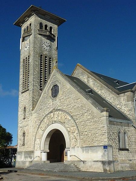 Photo du Monument Historique Eglise Saint-André et Sainte-Jeanne-d'Arc de Fétilly situé à Rochelle (La)