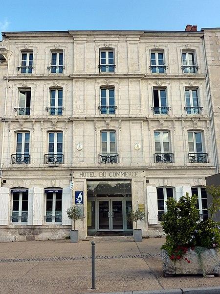 Photo du Monument Historique Ancien Hôtel du Commerce situé à Rochelle (La)