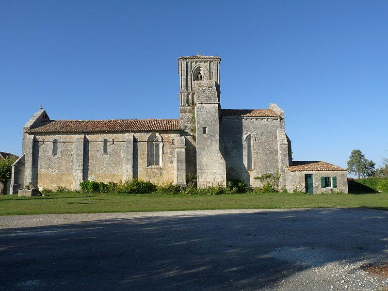 Photo du Monument Historique Eglise Saint-Pierre situé à Consac