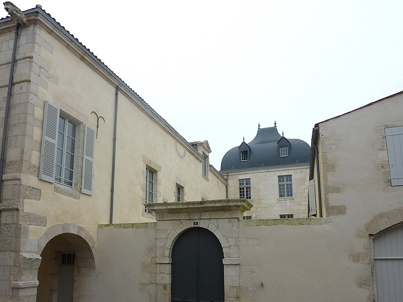 Photo du Monument Historique Hôtel de la Villemarais situé à Rochelle (La)