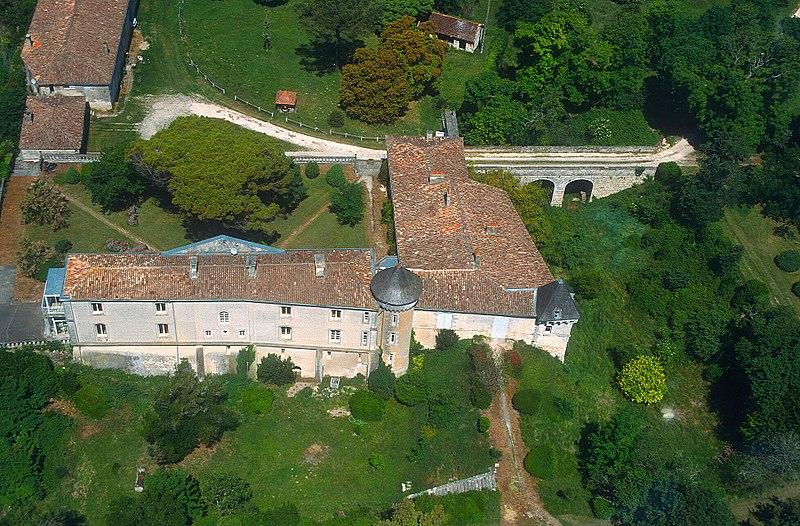 Photo du Monument Historique Château de Saint-Seurin-d'Uzet situé à Chenac-Saint-Seurin-d'Uzet