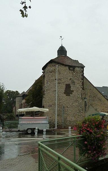 Photo du Monument Historique Ancienne enceinte situé à Aubigny-sur-Nère